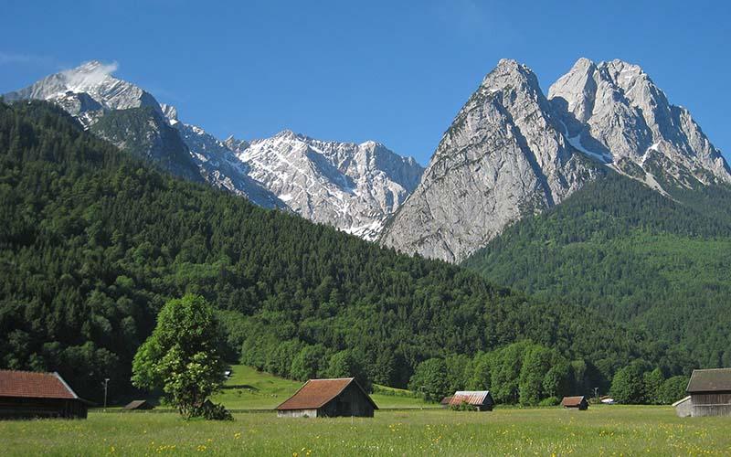 Alpspitze, Zugspitze und Großer Waxenstein