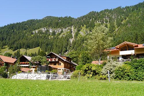 Dorf Hinterstein in Allgäu
